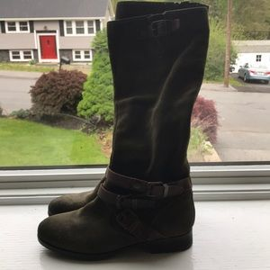 Marc fisher green boots with buckles
